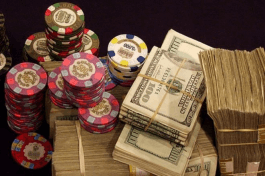 Live online casinos offer the possibility for high rollers to bet big.