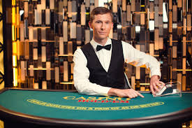 Players love to tip the croupier for good luck.